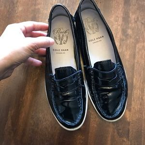 Cole Haan Woman's Flat Shoes Size 71/2